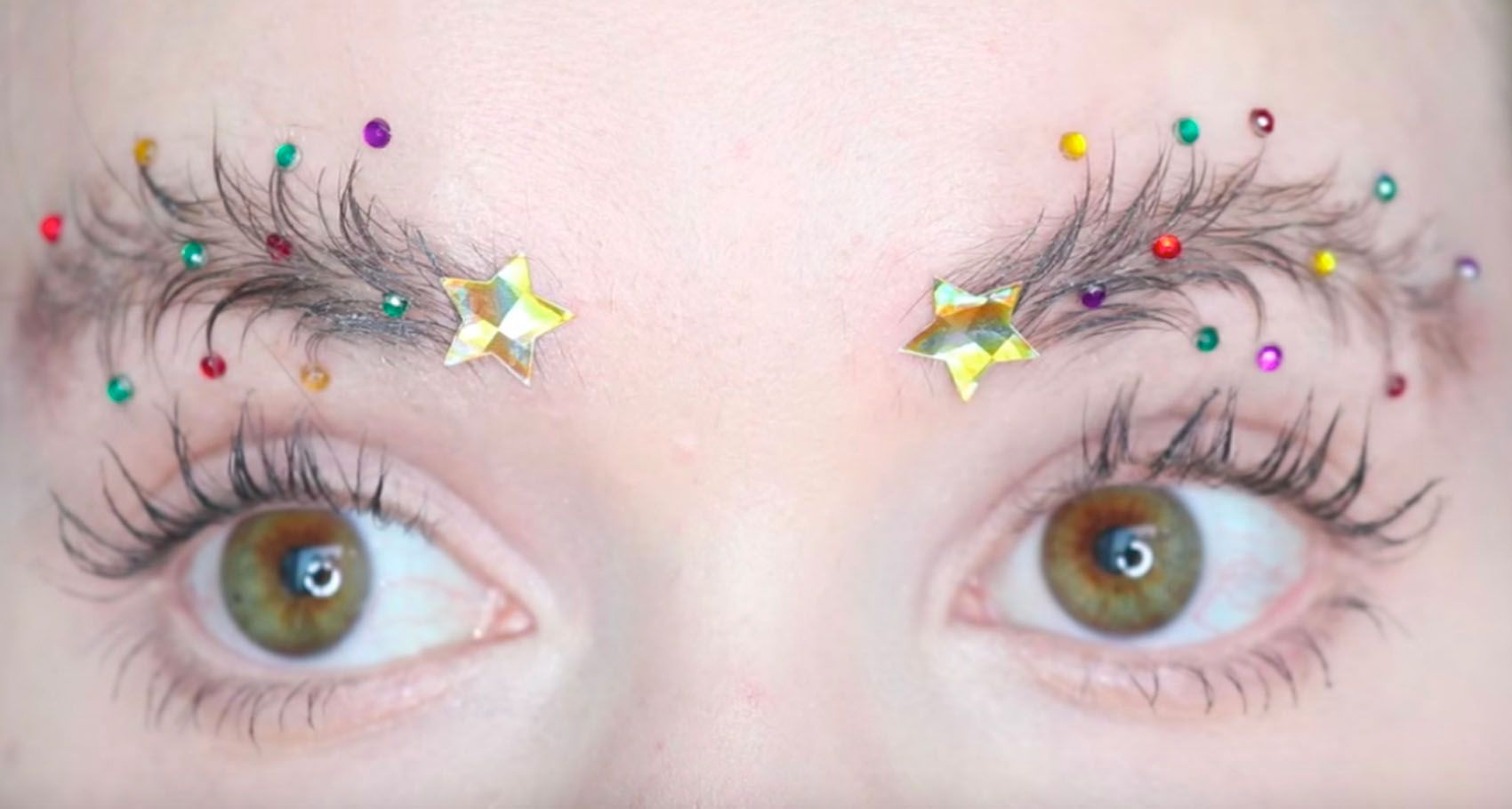 Christmas Tree Eyebrows.Christmas Tree Eyebrows Are The Festive New Trend Taking